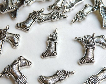 10 Christmas Stocking metal charms 24x11mm DB01997