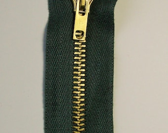 Zipper closure, 10 cm, not separable, Khaki, mesh brass 6 mm.