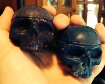 Skull 3D crayons set of two