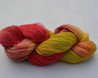 Sock yarn, knitting yarn, red, yellow, wool, viscose, silk, Superwash
