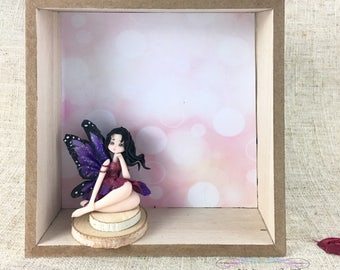 Pink and purple butterfly fairy in a wood frame - Polymer clay sculpture - Kawaii decoration
