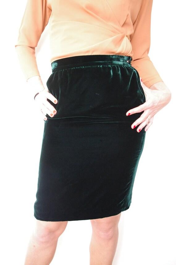 jupe vintage des ann es 80 ungaro en velours vert taille. Black Bedroom Furniture Sets. Home Design Ideas