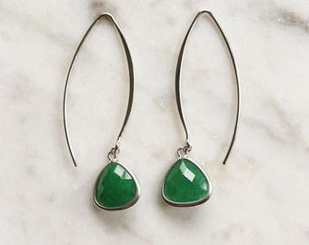 Faceted Emerald Green Glass Drop Earrings on Silver