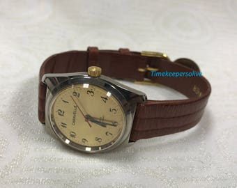 a223 Vintage Original Caravelle Stainless Water Resistant Mechanical Wrist Watch