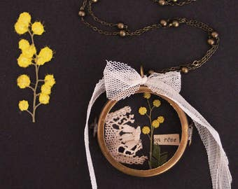 Glass Locket - Herbarium - Glass locket - Pressed flower - botanical - Mimosa