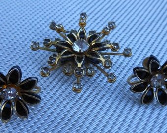 Vintage Bugbee & Niles 1940's Brooch and Earring Set