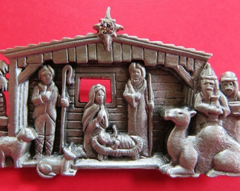 JJ Jonette Silver Nativity Scene Christmas Brooch Pin