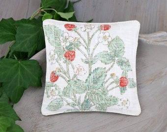 Botanical Lavender Sachet, Vintage Inspired Strawberry Illustration, Drawer Freshener