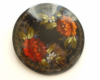 Signed Russian lacquered papier mache brooch