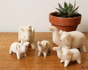 NEW Hand-carved Wooden Elephants Family Large Little Decorative Craft Gift Handmade