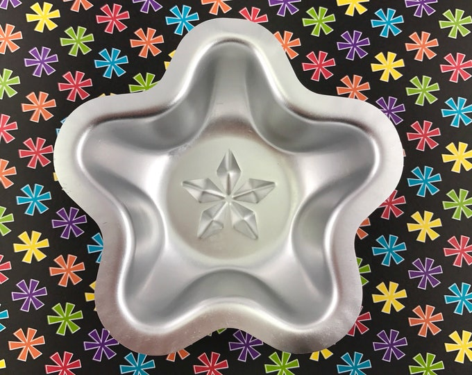 "LUCKY STAR Bath Bomb Mold, Metal, 3.75"", Two Wild Hares"
