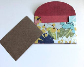 Floral envelope 4x2.5 with blank card