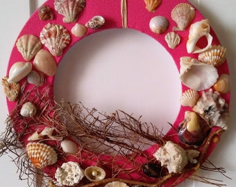 Pink Crown of Sea Shells on the door of the original gift to the sailor decoration of the wall