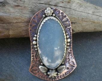 Bleu ciel Angelite, pendentif Angélite, Angelite et pendentif en cuivre, pendentif en argent et de cuivre, pendentif en métal mixte, estampillé pendentif en cuivre
