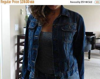 SALE Ikeda Jean Jacket - Medium dark wash - Vintage - Made in Canada - S M