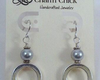 Silver Earrings, Dangle Earrings, Pearl Earrings, Trendy Earrings, Wire Earrings, Gift Ideas, Fish Hook Earrings, Beaded Earrings