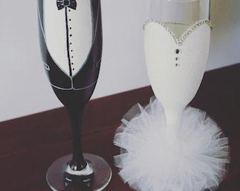 Bride and Groom Champagne Flute Set
