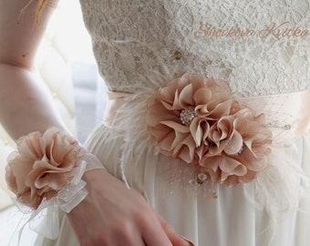 Champagne flower bridal sash belt, Tan Wedding feather belt sash, Bridal Organza Flower Sash, Wedding dress Floral sash, Belt fabric flowers