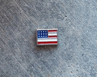 Floating Charm For Glass Memory Lockets- American Flag