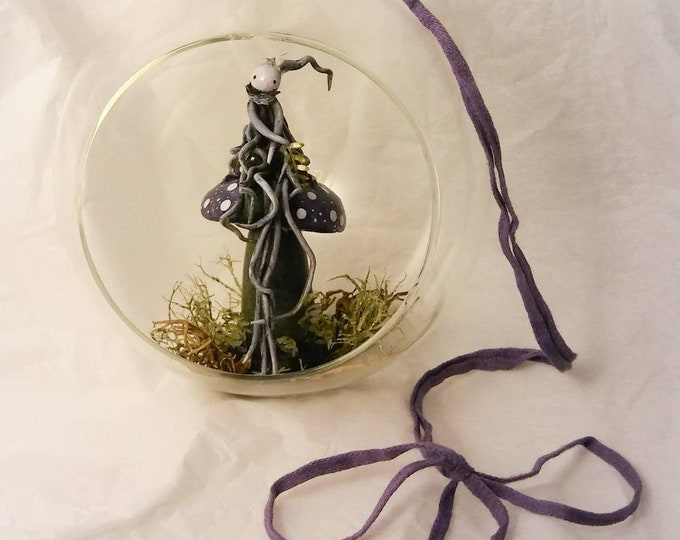 Luna's Tiny Gaia - Diorama under glass by Lisa Snellings OOAK