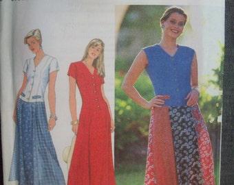 Simplicity 7593. Sizes 6, 8, 10. Misses dress pattern. Uncut and FF.