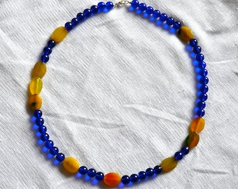 Yellow Banded Agate and Cobalt Blue Glass Beaded Necklace
