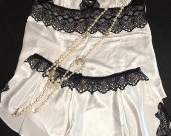 L/Victoria's Secret/Babydoll/Black and White/ With Panties