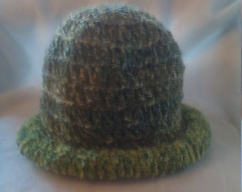 Rolled brim hat in shades of green