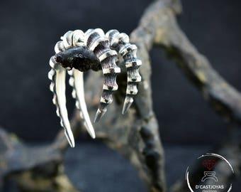 Pendiente de Aro  Plata Cuerno Dragón, Falso dilatador plata, Aro hueso plata, Cuerno de plata, Pendiente hombre, Joyería contemporánea