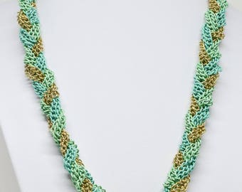 Stunning Twisted Chains Necklace