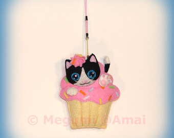 Hand-stitched Felt Kitty & Pink Frosted Cupcake Ornament Charm Strap food cake pastry treat tea shop cafe doll cat pet cute bag pull gift