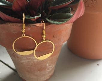 Geometric circle dangly earrings