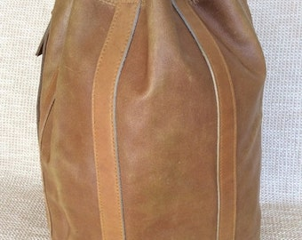 15% OFF SALE Genuine tan leather drawstring shoulder bag rustic steamer