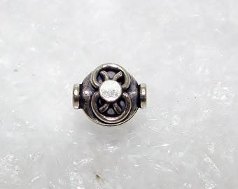 181 - Pearl silver puck 10.00 mm, big dots.  Money first.