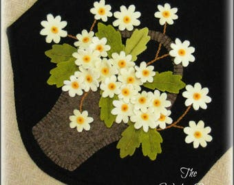 Picking Daisies Penny Rug Wool Applique Table Runner PATTERN