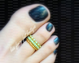 Stacking Toe Rings, Stacking Rings, Apple Green Beads, Gold Beads, Pattern Design, Stretch Bead Toe Ring