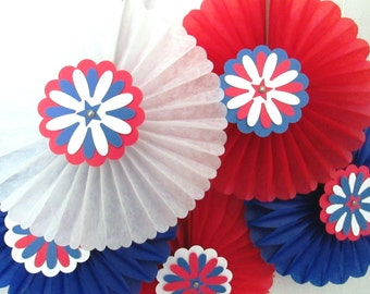 Nautical Decoration Hanging Tissue Fans Rosettes Beach Style Hanging Tissue Pinwheels Red White and Blue 4th of July Favors Patriotic