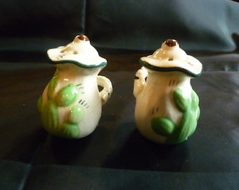 Vintage Salt and Pepper Shakers made in Japan by SONSCo