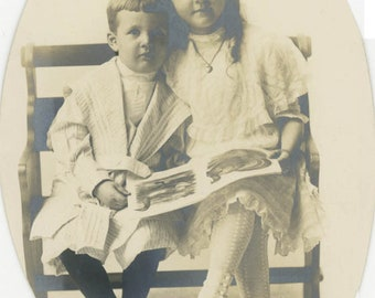 vintage photo 1920 Little Darling Boy & Sister Sit Reading Books on Bench Oval