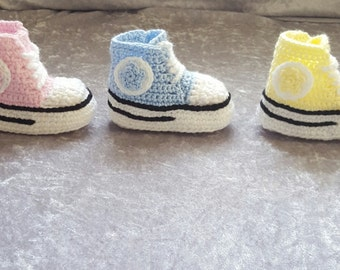 Baby converse shoes, crochet baby converse shoes, baby converse shoes, baby tennis shoes, baby slippers, baby crochet shoes, baby  gift