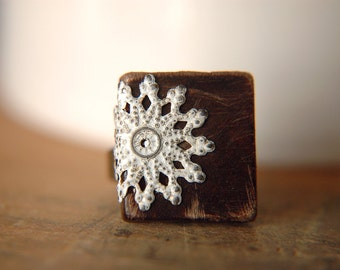 Cottage Chic Adjustable Ring in Chocolate Brown and Brass - Dark Cocoa.