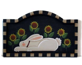 Primitive Bunny with Sunflowers Framed Arched Sign, Handpainted Wood, Hand Painted Prim Decor, Wall Art, Tole Decorative Painting, B2