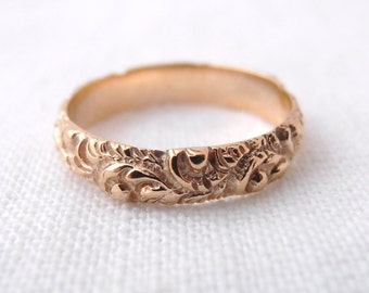 Vintage Repousse 14k Yellow Gold Wedding Band