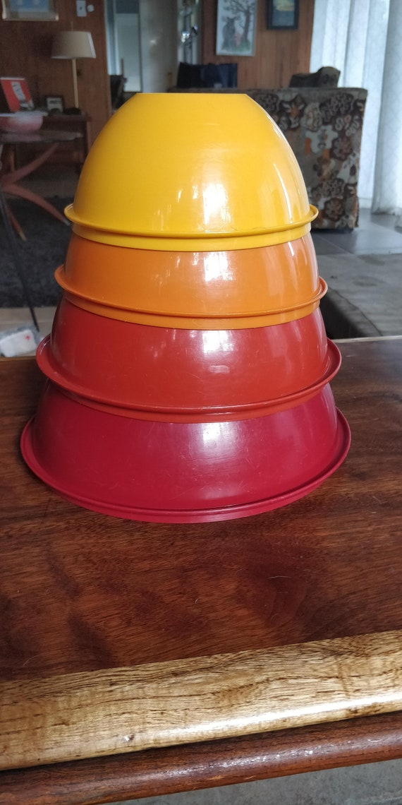 Vintage Tupperware Mixing Bowl set of 4 - Fall Colors - nesting
