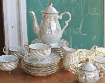 Lusterware Tea Set, With Cups, Tea Pot, Creamer, White and Gold, Set for 6