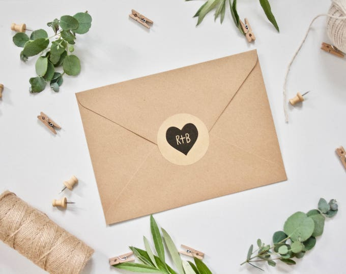 PERSONALISED Wedding Stickers - Heart with Initials on Matte Rustic Kraft Stickers - 51mm Circular Rustic Vintage Wedding Envelope Stickers
