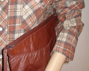 """70's BROWN LEATHER CLUTCH 11"""" x 7"""""""