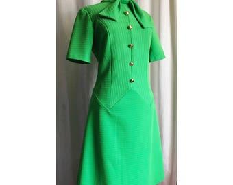 Bright Green 1960s dress / size L / Tar Heel Fashions
