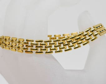 Lovely gold tone link bracelet