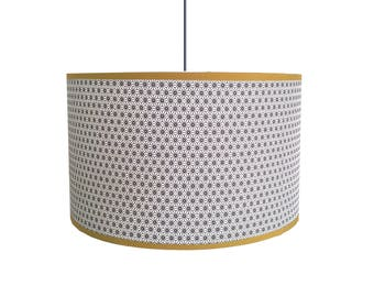 LAMPSHADE PATTERN STARS BLACK ON WHITE BACKGROUND